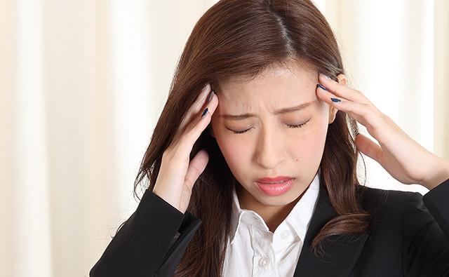 前頭部の頭痛と吐き気がする原因と治療